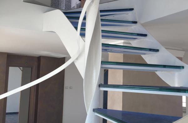 Un esempio delle scale in ferro personalizzate che Comeart realizza a Roma